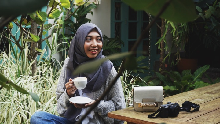 VLOG | Autumn Look Book at 1/15 Coffee Menteng